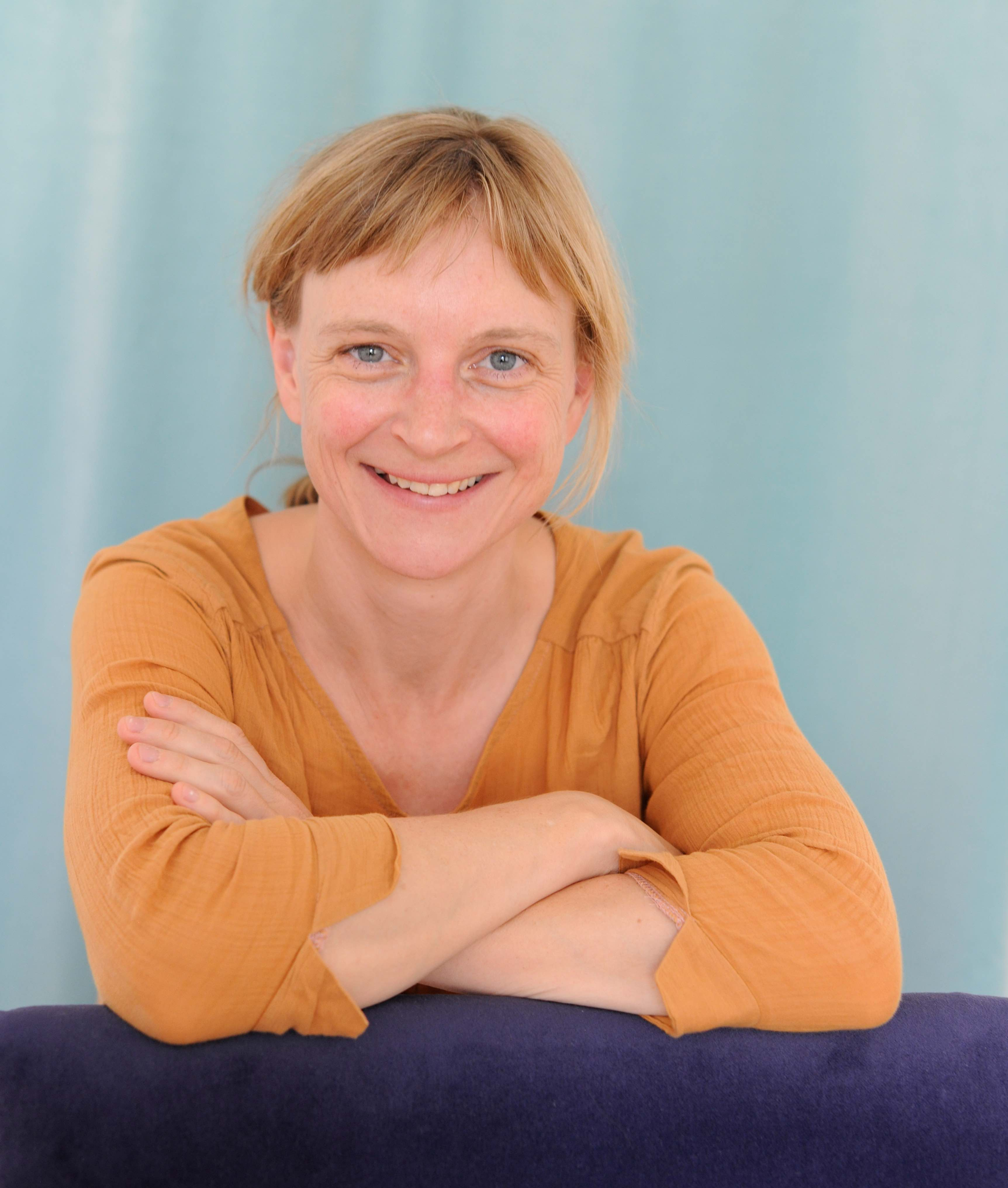 Julia Bonn Ganzheitliche Koerperarbeit Somatic Coaching Berlin
